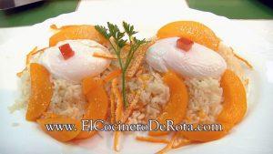 Huevos-Escalfados-con-Arroz-a-la-mandarina-y-melocotón