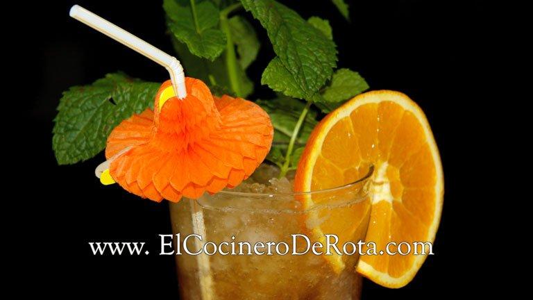 Cocktail de Martini realizado por El Cocinero de Rota